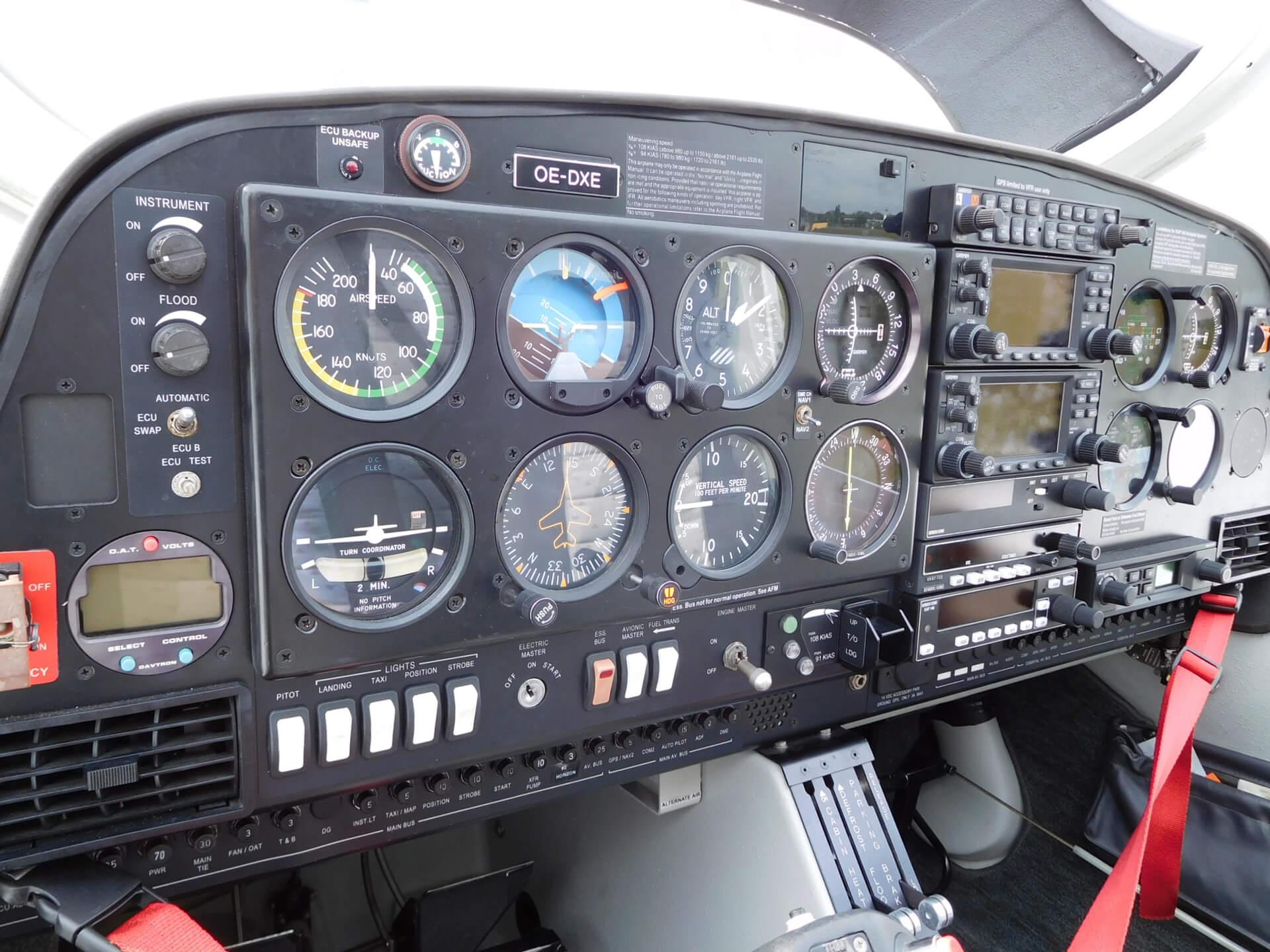 "2003 DIAMOND AIRCRAFT DA 40 TDI ""Diamond Star"" | avion occasion ATA by Pelletier - Avignon"