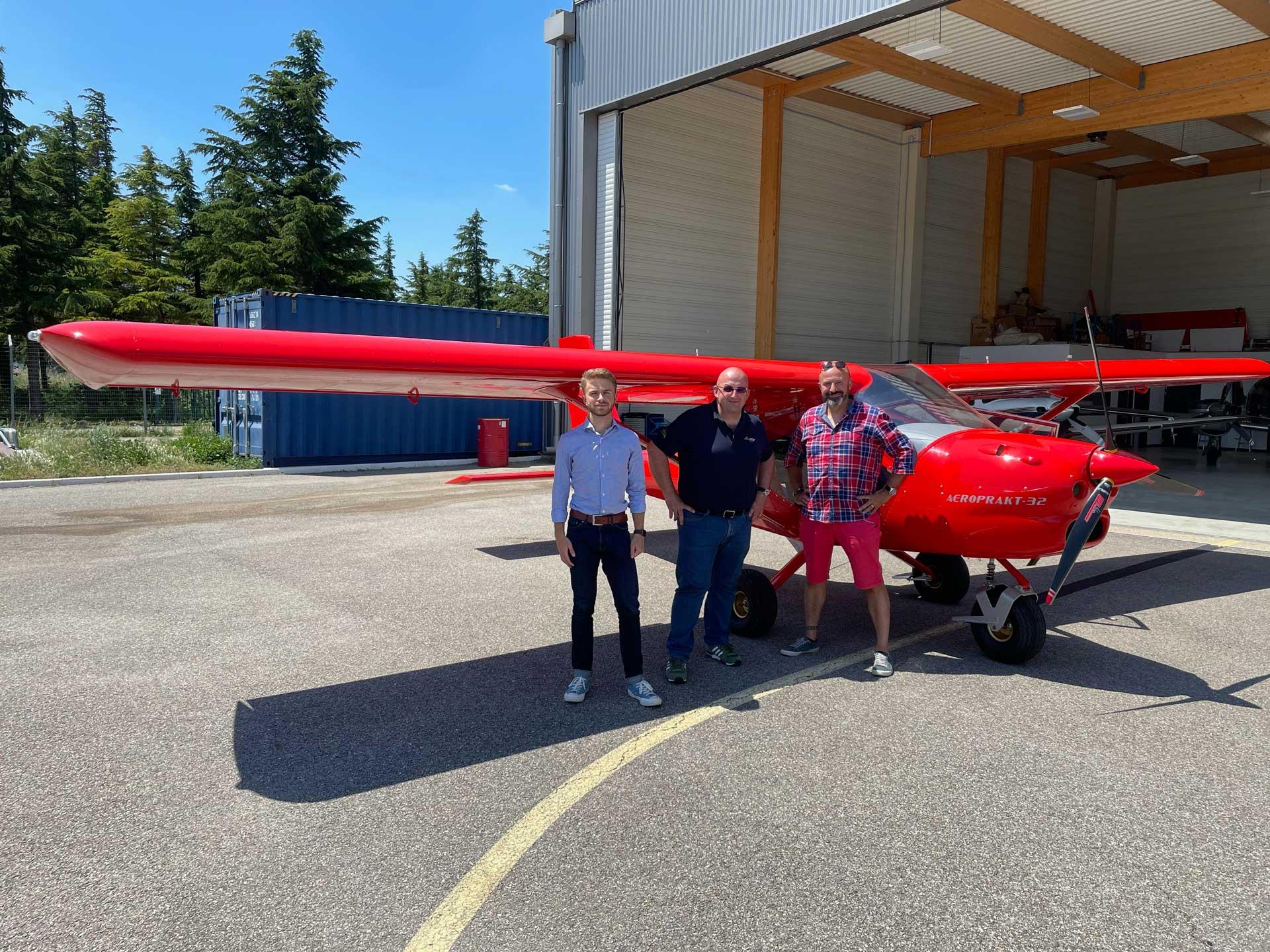 Un nouvel AEROPRAKT A32 livré par l'équipe ATA !